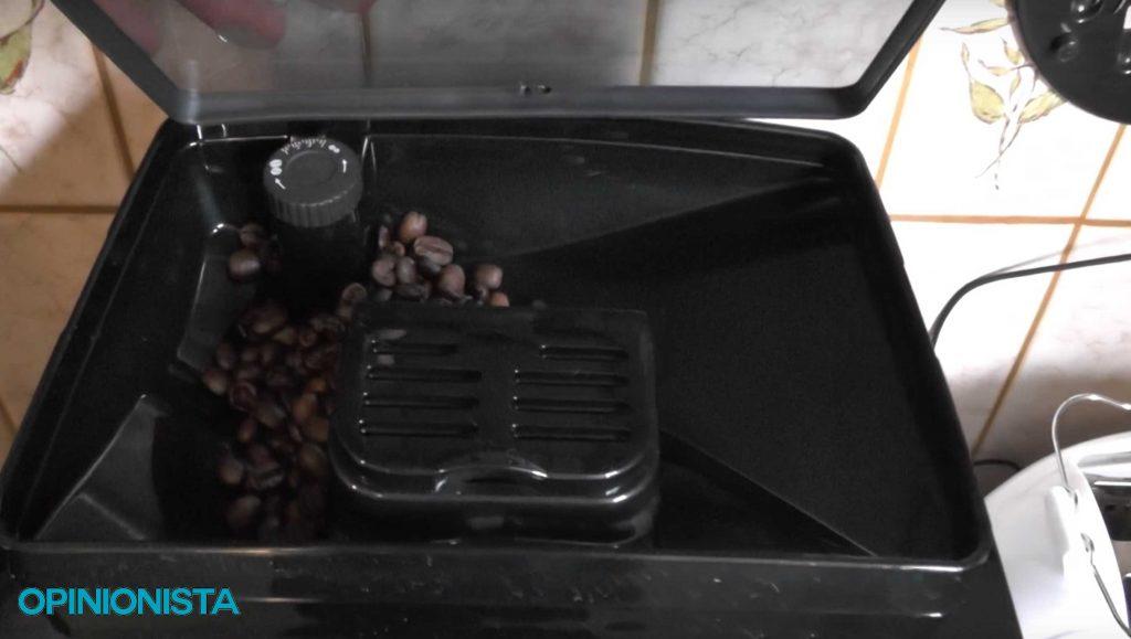 ECAM 22.110.SB granos de café